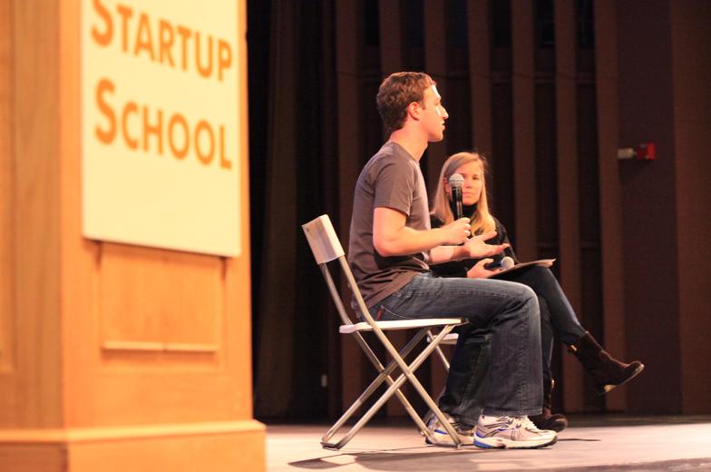 Mark Zuckerberg interview ved Startup School