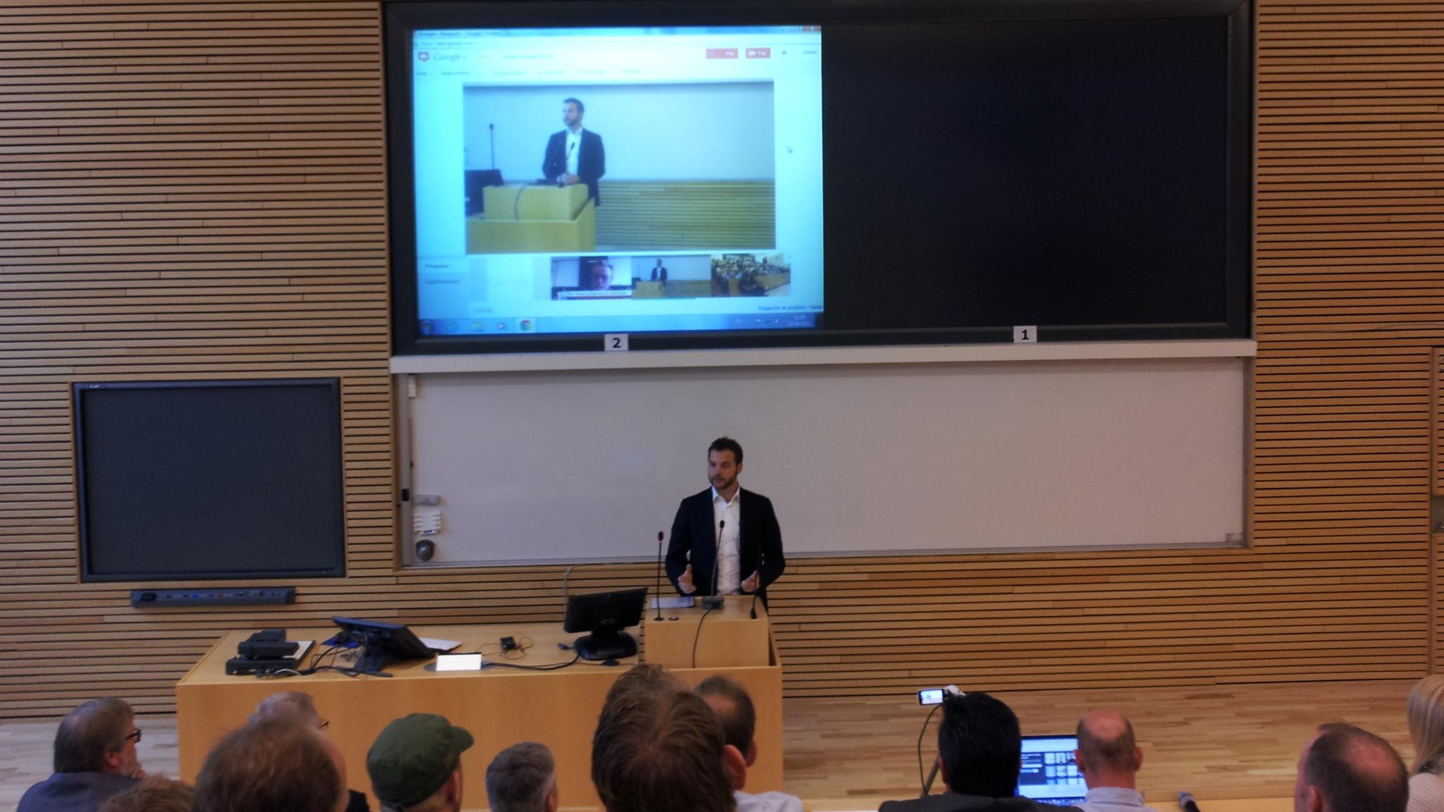 Uddannelsesministeren og Lars Bak diskuterede innovation i Danmark