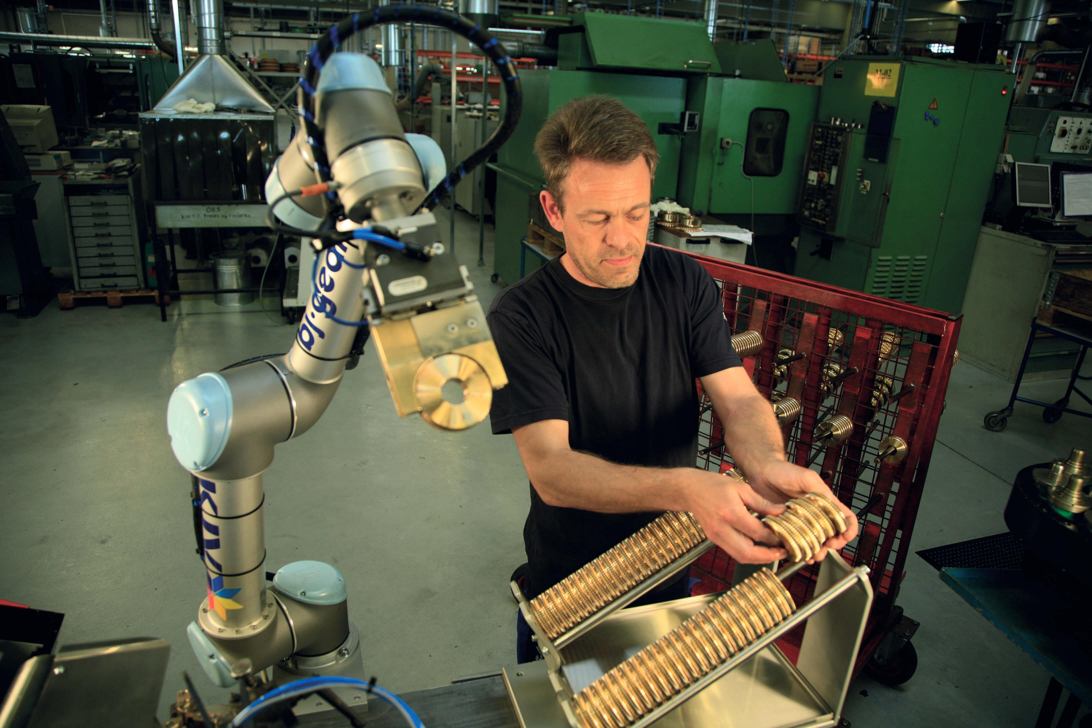 Universal Robots fordobler væksten i 2015