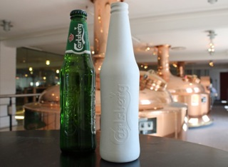 Green Fiber Bottle Prototype and Carlsberg Ølflasken Trendsonline