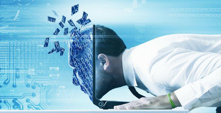Fremtidens arbejdsmiljø byder på videolæring, indeklima-apps og overvågende ure