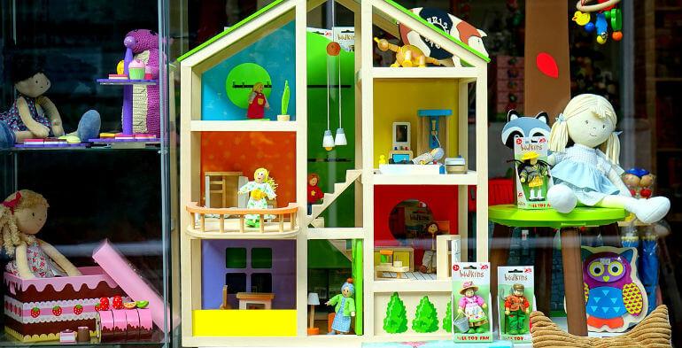 Danmarks største netbutik åbner ny legetøjskæde med udbryderbutikker