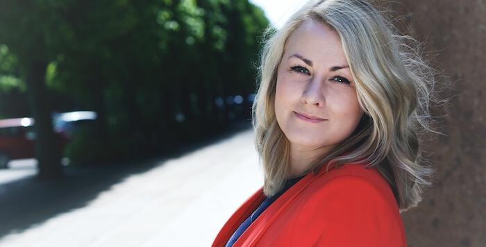 Deemly, Sara Green Brodersen, Iværksætteri